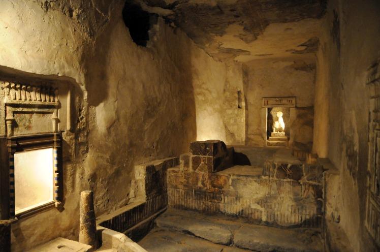 Tuna el-Gebel catacombs.jpg